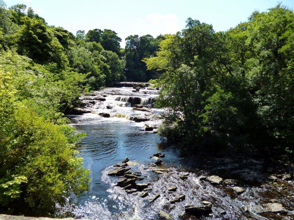 engeland autovakantie - aysgarth falls in yorkshire dales